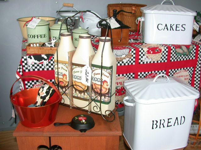 Kitchen Collectibles For That Country Feel Items